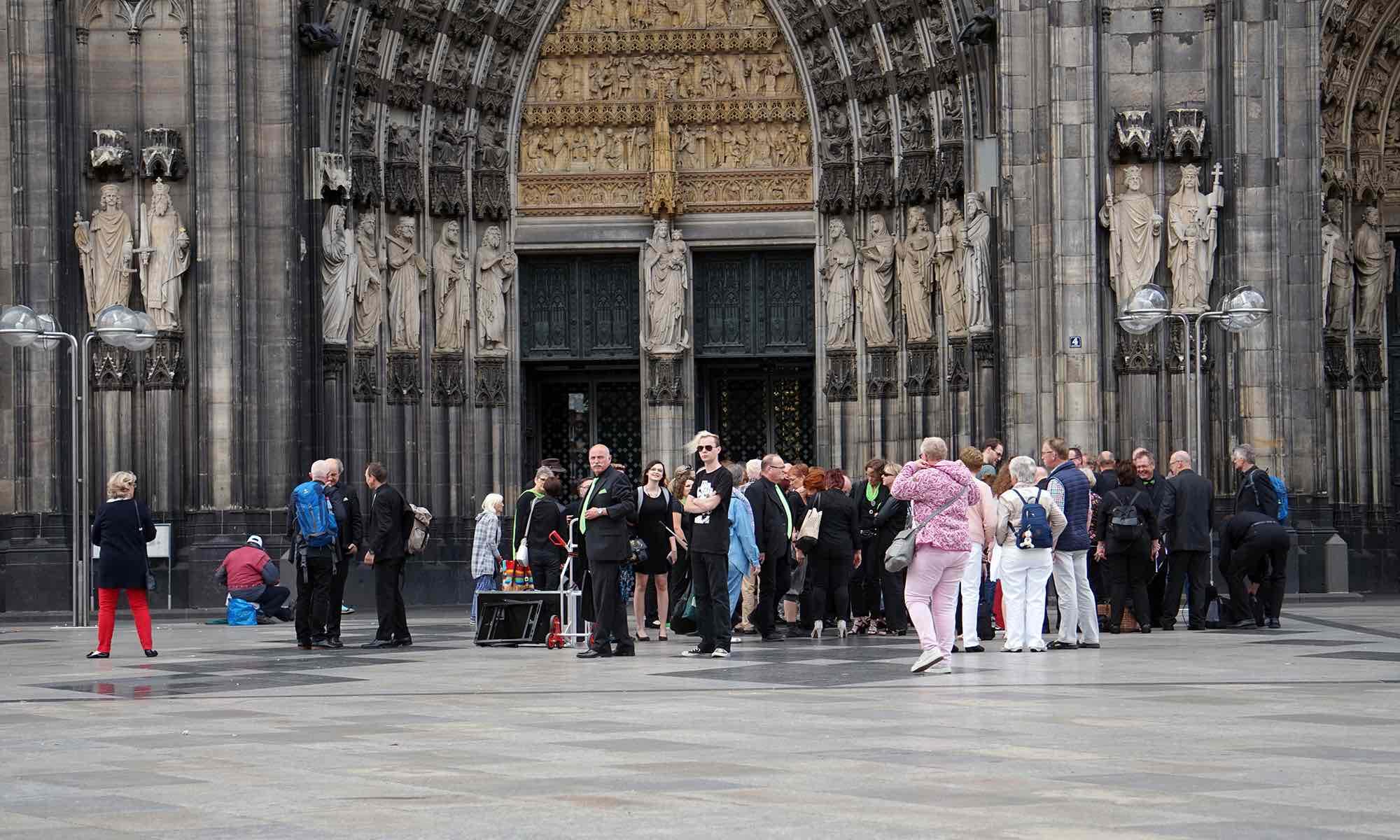 ... hier treffen wir uns mit allen die den Auftritt für ein verlängertes Wochenende in Köln nutzen ...