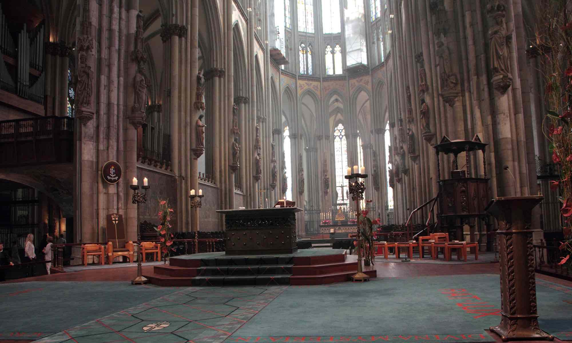 ... dann betreten wir das erste Mal den Dom und sind erfüllt von dieser Größe...